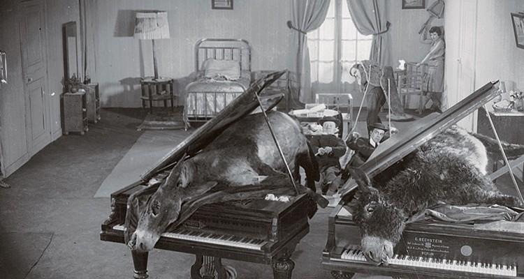 Un Chien Andalou - Luis Bunuel 1 (1929)